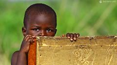 16-09-27 Uganda-Rwanda (239) R01 (Nikobo3) Tags: uganda frica retratos portraits travel viajes gentes nikon nikond800 d800 nikon7020028vrii tc14eiii nikobo josgarcacobo flickrtravelaward ngc wonderfulworld natgeofacesoftheworld queenelizabethnationalpark