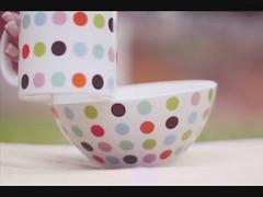 Docemente Color (f. prestes) Tags: colors grass cores video candy dancing polkadots bolinhas mug gummies caneca stopmotion color balas jujubas yanntiersen  balinhasdanantes