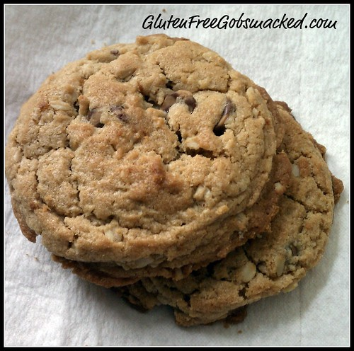 GF Oatmeal & Peanut Butter Cookies