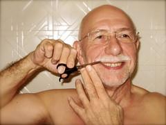 Bernard 785 (bernard-paris) Tags: bernard toilette moustache