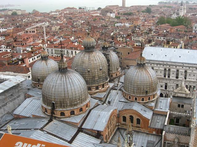 サン・マルコ寺院のフリー写真素材