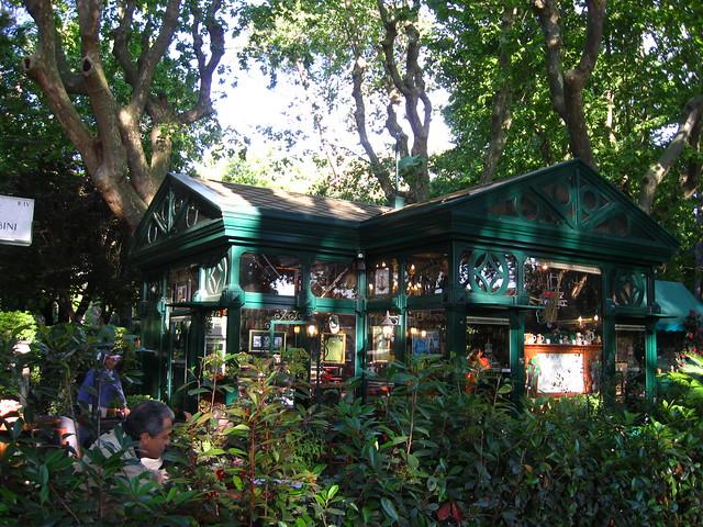 ボルゲーゼ公園のカフェのフリー写真素材