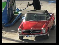 """Omv Tankstelle; heute nur noch Selbstbedienung. """" 1x  Super Plus, volltanken bitte."""" sagte man frher freundlich zum Tankwart. Service  und Trinkgeld waren selbstverstndlich.  Pagode Mercedes-Benz: T -  MB 230 H , W113 (eagle1effi) Tags: light red rot luz car station germany rouge deutschland mercedes licht flickr lumire oldtimer petrol 500mm tuebingen mb lux luce nordstadt omv tbingen tankstelle lumen tubingen  wrttemberg badenwuerttemberg waldhuserost views500 views100 views200 tubinga w113 waldhausen 72076 eagle1effi superplus mercedesbenz230 blackframed 18xzoom omvtankstelle  sx1best dibenga stadttbingen tmb230h beautifulcityoftubingengermany beautifulcityoftbingengermany ber100malgesehen dibeng tubingue"""