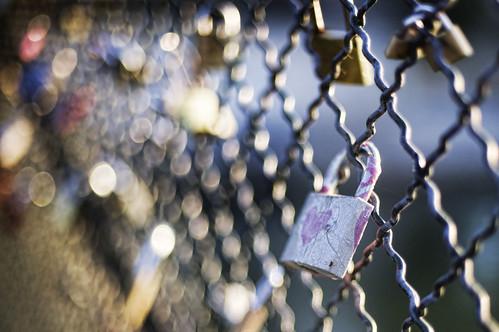 Love Locks in Paris, Stuck in Customs, CC-BY,NC-ND