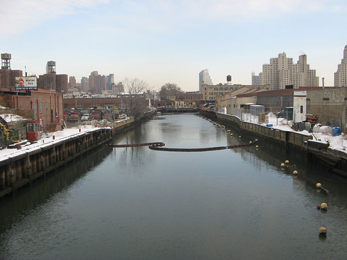 Gowanus Canal, Looking_north_from_Union_Street_bridge[1]