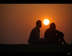 Sunset @ Kuzhuppilly (Rishad Puthenveettil) Tags: sunset people beach nikond70s 18200mmvrii malayalikkoottam keralaclicks kuzhuppilly