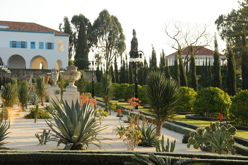 Cacti garden with Mansion of Bahji and Shrine of Bahá'u'lláh