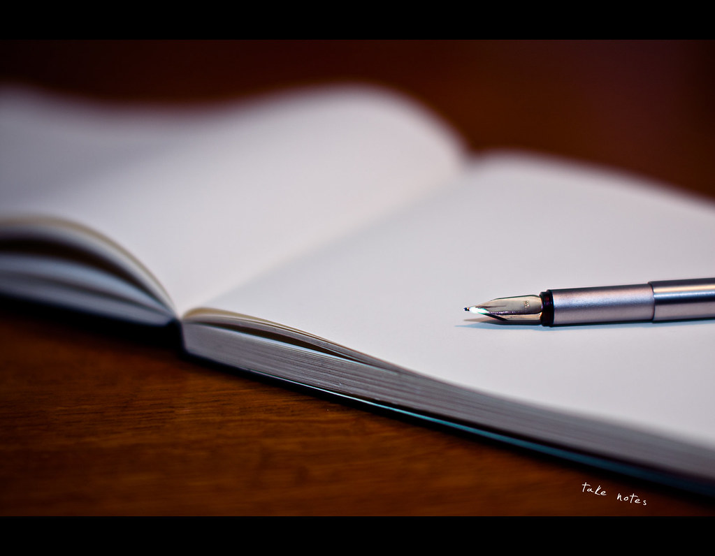 ,Project 365, Day 210, 210/365, Strobist, bokeh, take notes, moleskine, pen, fountain pen, parker, grain, golden tipp,  Sigma 50mm F1.4 EX DG HSM, 50mm,