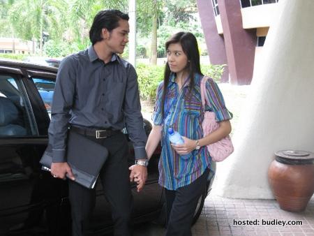 Asmara (Shahz Jaszle) telah mengahwini Melati (Faralyna)
