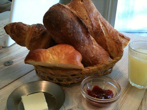 朝食セット パリの朝食650円 コーヒー付き