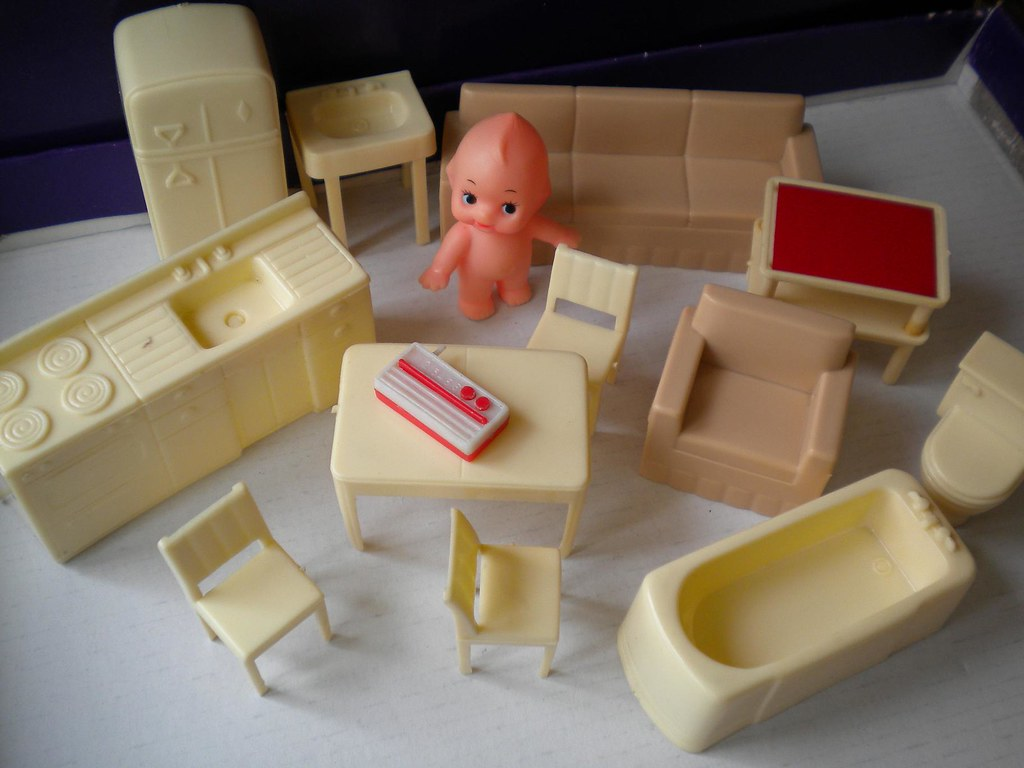 Vintage tiny plastic doll house furniture