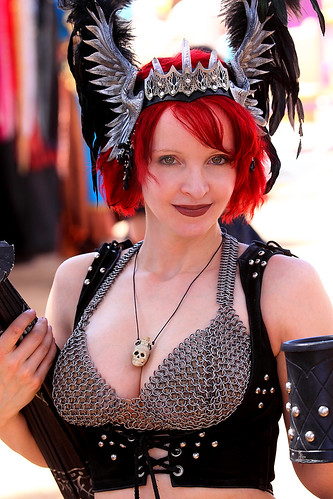 Beautiful Michelle in her Chain Mail Bikini 2011 Arizona Renaissance ...