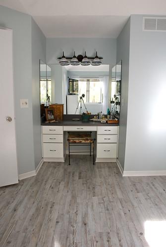 vanity-floor