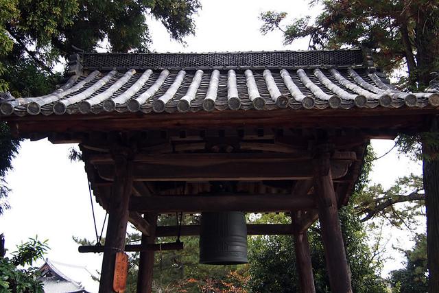 20101118_095327_法隆寺_時の鐘