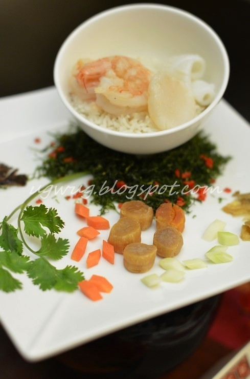 Rice with Assorted Seafood in Superior Soup