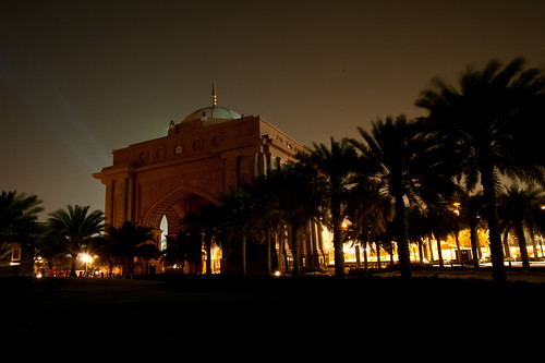 Emirates Palace_landmark_abu dhabi lights off