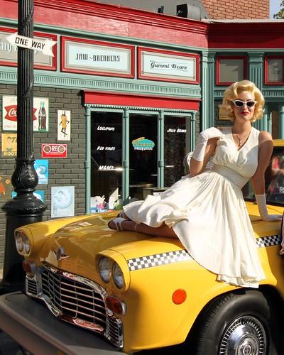 Marilyn on a Cab