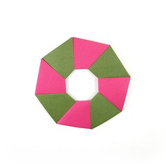 Ring 4 - Back (rebecccaravelry) Tags: origami ring wreath modular fuse tomokofuse