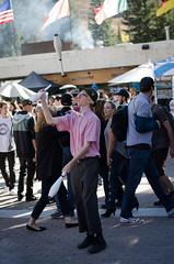 Oktoberfest 2016 (Howard Metz Photography) Tags: juggling juggler entertainer act plaza snowbird oktoberfest crowd audience