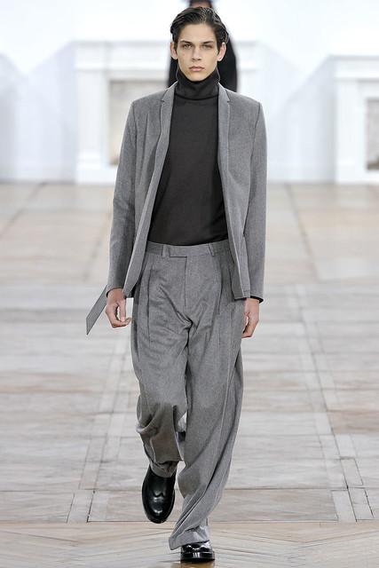 FW11_Paris_Dior Homme004_Ethan James(VOGUEcom)