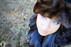(*Syltastic*) Tags: green beautiful female model eyes gesicht schoen pelz muetze huebsch