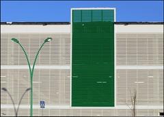 green (TeRo.A) Tags: shadow green trafficsign prisma shopingcenter ostoskeskus varjo liikennemerkki vihreä creattività nikond300s