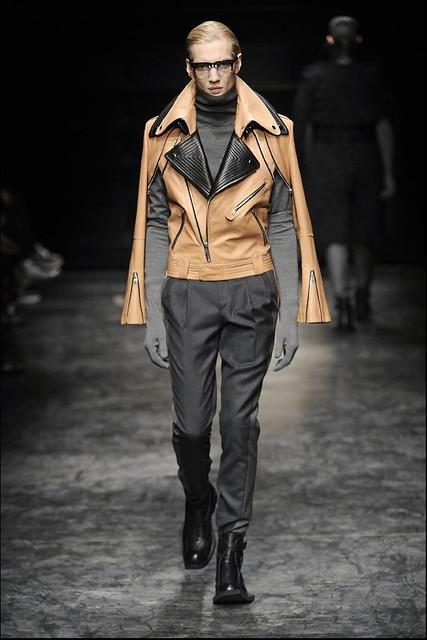 Paul Boche3193_FW11_Paris_Juun J(Simply Male Models)
