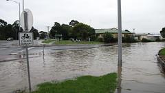 20110205_SX1IS_094 (smjbk) Tags: flood floods theavenue pakenham vicfloods vicrains vicflood vicrain pakyfloods pakenhamcreek