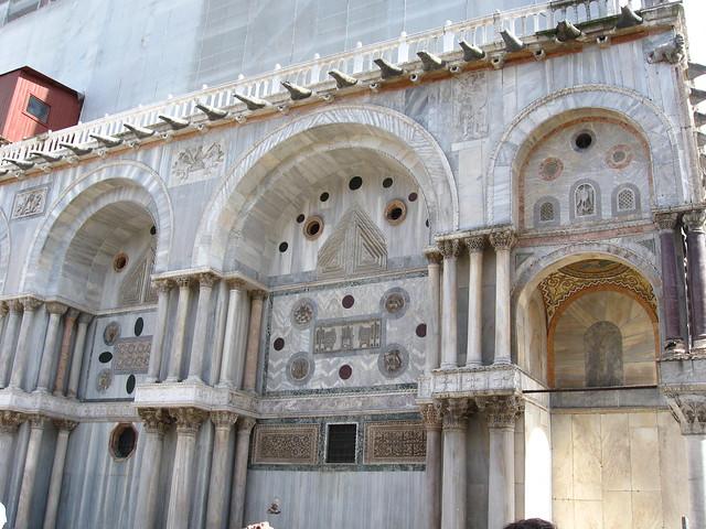 サン・マルコ大聖堂の壁のフリー写真素材