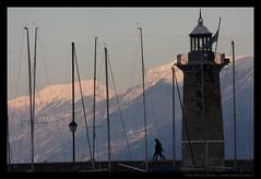 Lago & monti con neve