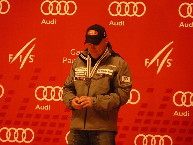 Didier Cuche bei der Siegerehrung Abfahrt Männer, Ski-WM 2011