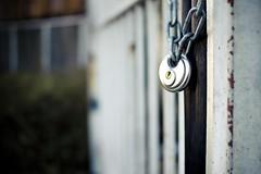 [167/365] locked (bluemello) Tags: city canon dof lock d leipzig 365 tor locked depth 550 sigma30mmf14 schlos offield