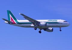 EI-DTB / Airbus A320-216 / 3815 / Alitalia (A.J. Carroll (Thanks for 1 million views!)) Tags: london heathrow airbus lhr alitalia a320 320 egll a320200 3815 skyteam 09l a320216 eidtb