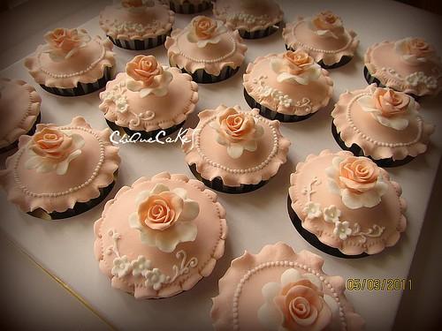 Peach Roses Wedding Cupcakes