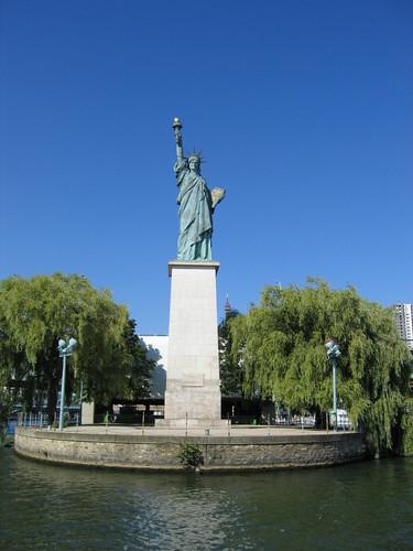 estatua isla de los cisnes