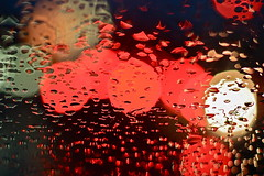 Traffico piovoso / Rainy traffic (AndreaPucci) Tags: auto road italy car rain strada italia traffic bokeh pisa tuscany windshield toscana waterdrops pioggia traffico parabrezza canoneos400 canon50mmf14usm inthedeep goccedacqua andreapucci