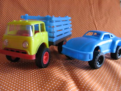 Plastic cars (Retro Mama69) Tags: vintagetoys retrotoys childhoodtoys plasticcar juguetesnrfb toysmintcondition nrfbtoys dimestoretoys toysinpackage toysmadeinchina toysmadeinjapan