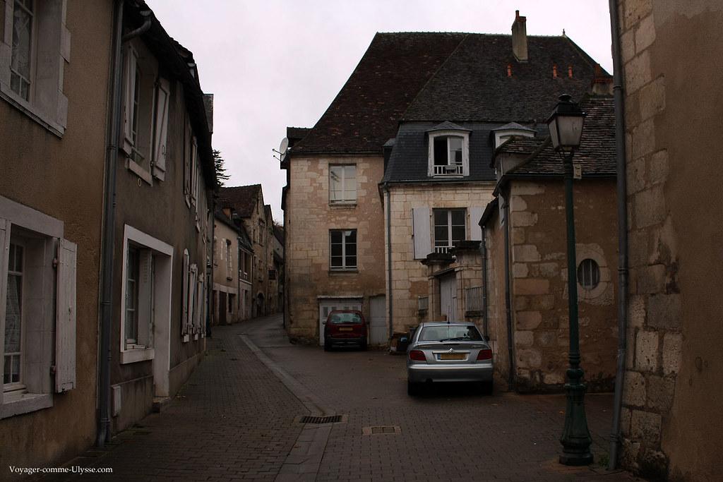 Comme dans toutes les petites villes de France, les rues sont très souvent étroites
