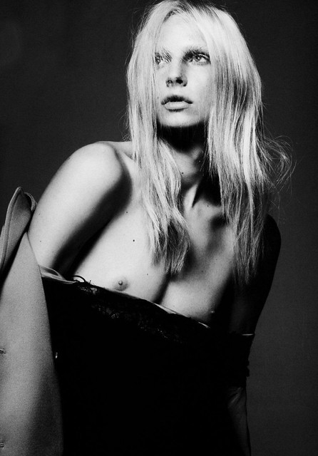 3 ANDREJ-PEJIC-FRENCH-VOGUE-2-714x1024