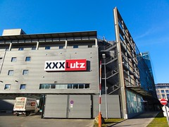XXX Lutz (austrianpsycho) Tags: linz gebude lutz mbelhaus xxxlutz schranken blumauerstrase