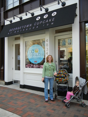 Mar 14 2011 Ruth & Shanna, Georgetown Cupcakes, Bethesda MD