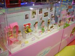 Mimi Fashion Dolls (InSapphoWeTrust) Tags: korea mimi seoul southkorea 2008 韓國 서울 lotteworld jamsil 한국 대한민국 republicofkorea fashiondolls 大韓民國