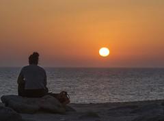 Atardecer en Caos de Meca II (marieta.c) Tags: sol relax faro atardecer mar nikon trafalgar playa arena cadiz chico silueta nikkor dunas roja caos caosdemeca hierva d7000 vr18105 nikond7000 atardeceresqueenamoran