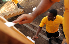 Sailors paint a hut in Honduras as part of community service project. (Official U.S. Navy Imagery) Tags: painting navy sailors honduras sanlorenzo sailor usnavy communityservice projecthandclasp highspeedvesselswifthsv2 southernpartnershipstation2011 escuelaeneasalvarado