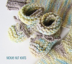 Rolled Cuff Baby Booties Pattern - FREE