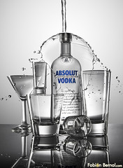Absolut (Fabian Bernal.com) Tags: espaa luz water photoshop canon studio advertising photography mirror spain publicidad bottles photos estudio study advert vodka splash product plato reflexion luminous reflejos absolutvodka producto canonef28135mmf3556isusm luminating fotografoscolombianos fabianbernal canoneos5dmarkii colombianosenflickr cristalera eos5dmarkii botelleria
