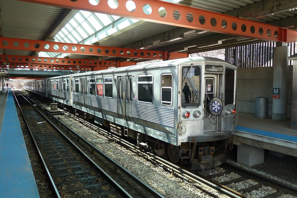 2200-series Charter Train at Midway