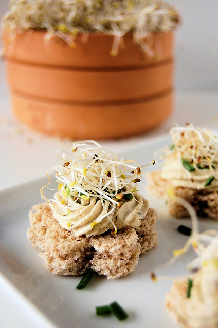 canapés with tofu cream and alfa-alfa sprouts