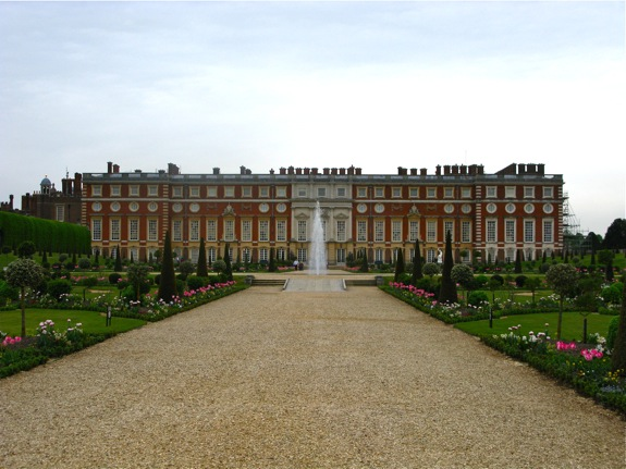 hampton court england 007