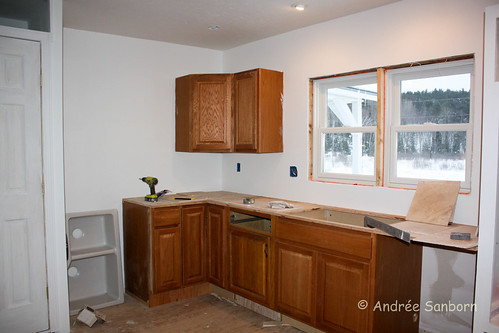 Laying counter top tiles (3 of 18).jpg